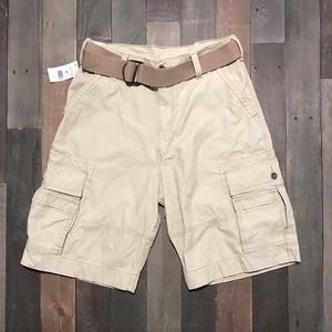 Men's NWT Levi's Cargo Shorts Size 32